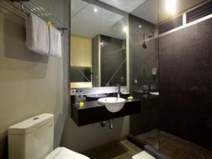 Loft_Legian_Hotel_Bathroom2