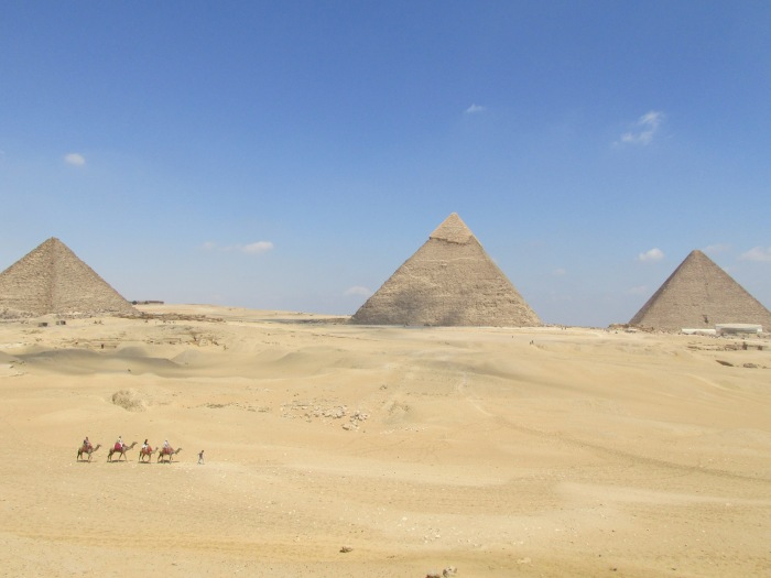 Seeing the Pyramids in Egypt- Khufu, Khafre and Menkare